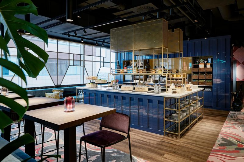World Trade Center Antwerp Sky Bar Cafe Lounge im Lindner Hotel im Diamantenviertel