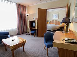 Junior Suite Wohnbereich | Lindner Congress Hotel - Cottbus