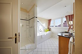 Bathroom Wiesensee Suite  | Lindner Hotel & Sporting Club Wiesensee