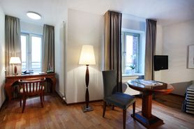 Economy Class single room  | Lindner Hotel & Residence Main Plaza - Frankfurt