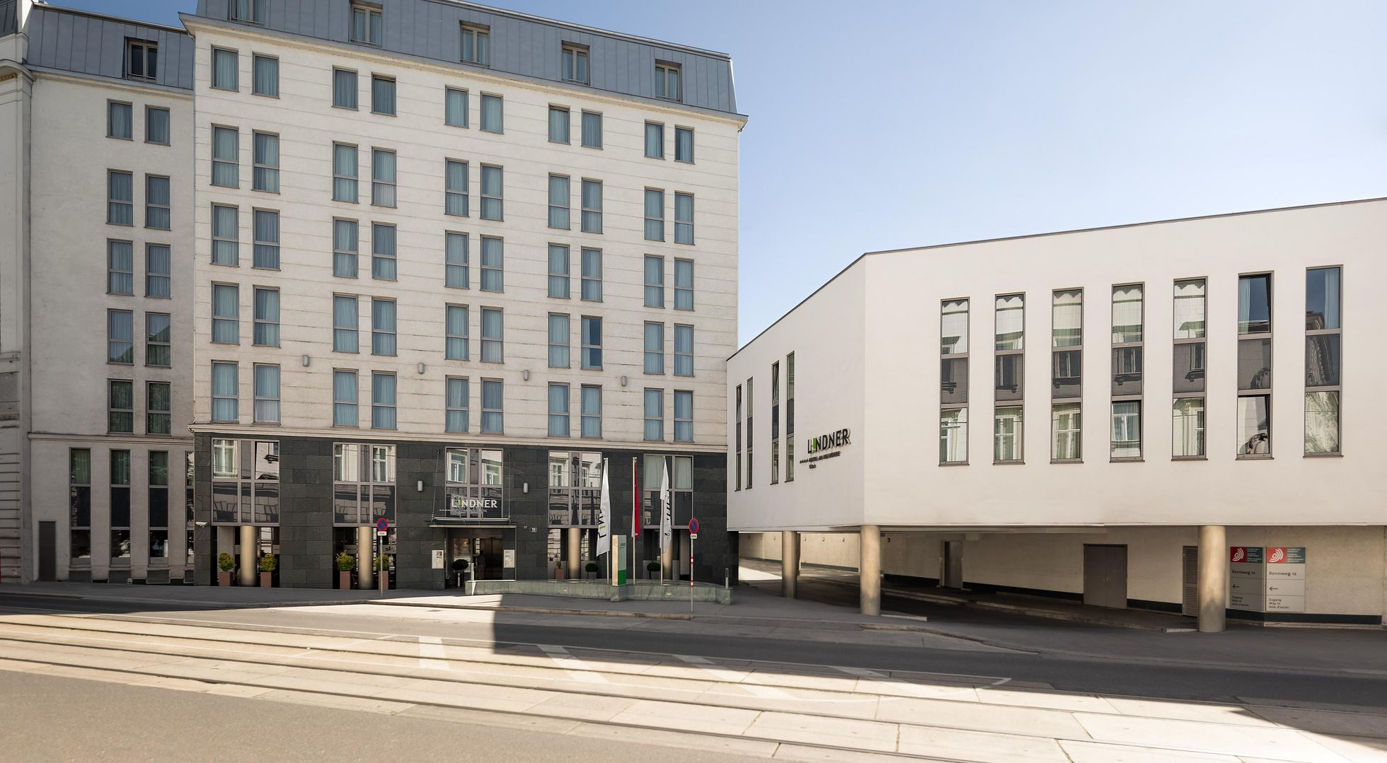 [Translate to English:]